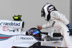 Valtteri Bottas, Mercedes AMG F1 felicita a Lance Stroll, Williams FW40