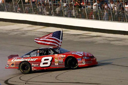1. Dale Earnhardt Jr., Dale Earnnhardt Incorporated Chevrolet