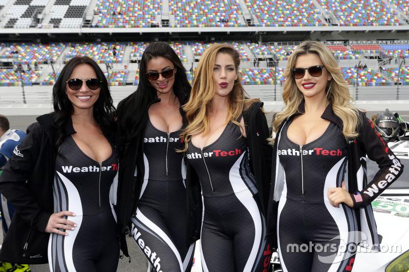 Chicas Hot WeatherTech
