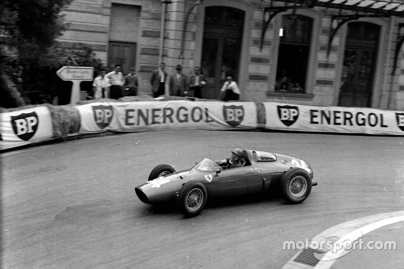 1960: Ferrari Dino 246P (одно шестое место)