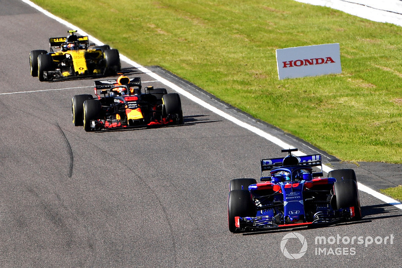 Brendon Hartley, Scuderia Toro Rosso STR13, Daniel Ricciardo, Red Bull Racing RB14 y Carlos Sainz Jr., Renault Sport F1 Team R.S. 18