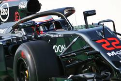 Дженсон Баттон, McLaren MP4-31 с системой защиты головы