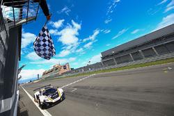 Winner #58 Garage 59 McLaren 650S GT3: Rob Bell, Alvaro Parente