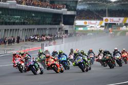 Хорхе Лоренсо, Yamaha Factory Racing, лідирує на старті