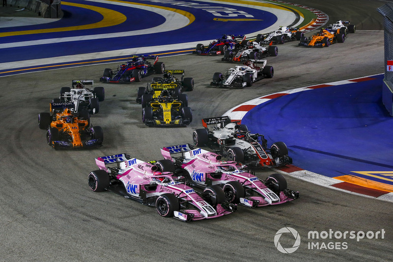 12: Esteban Ocon y Sergio Pérez (Force India)