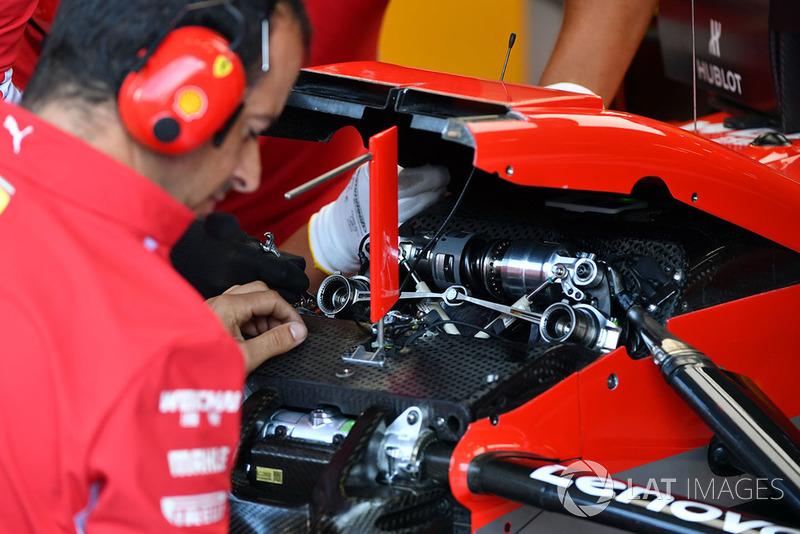 Detail suspensi depan Ferrari SF71H