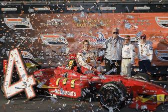 Sebastien Bourdais, Newman Haas Lanigan Racing con i proprietari del team Mike Lanigan, Paul Newman e Carl Haas
