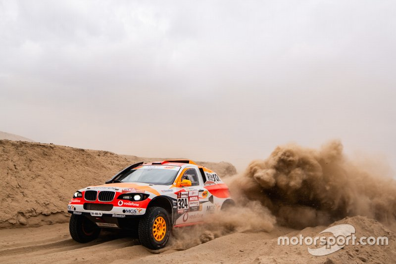 #324 Repsol Rally Team: Ісідре Естеве, Чема Вільялобос