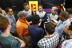 Представители Pirelli
