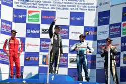 Podio Gara 1: il vincitore Lorenzo Marcucci, il secondo classificato Michele Malucelli, il terzo classificato Davide Di Benedetto