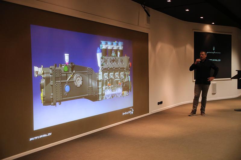 Руководитель отдела разработки гоночных автомобилей HWA Хуберт Хугле рассказывает о двигателе и коробке передач