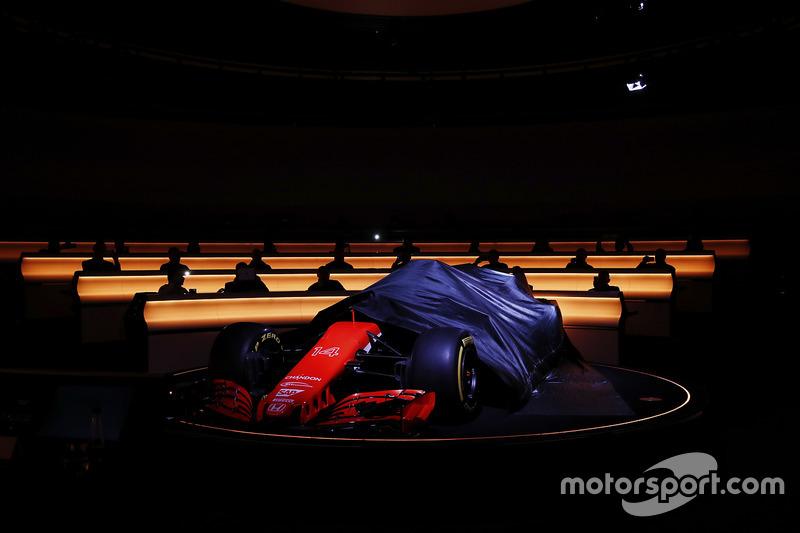 Формула 1 Вам слово: выберите самую красивую и некрасивую машину сезона