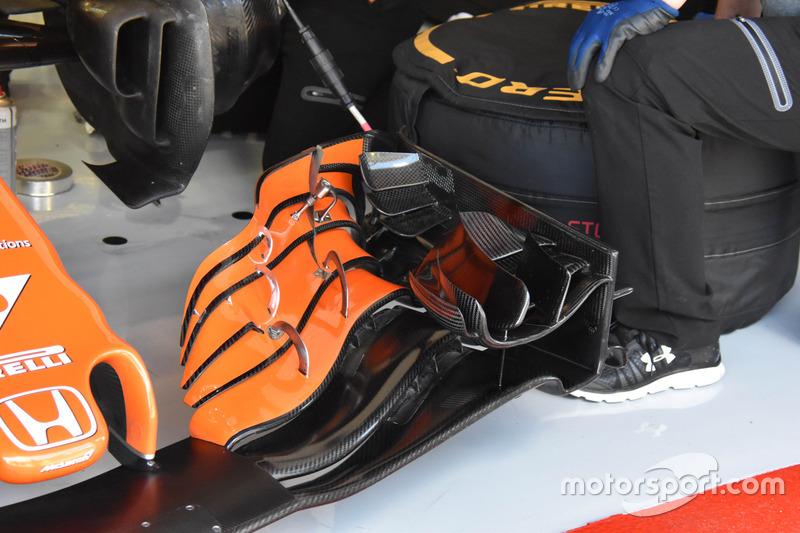 Aileron avant de la McLaren MCL32