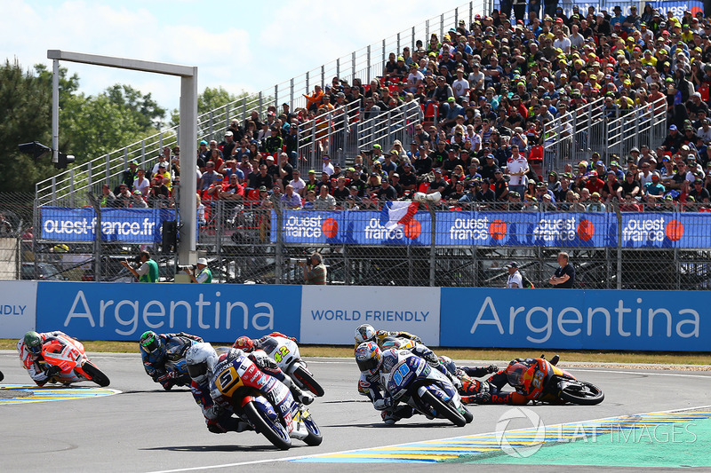 Accidente de Niccolo Antonelli, Red Bull KTM Ajo
