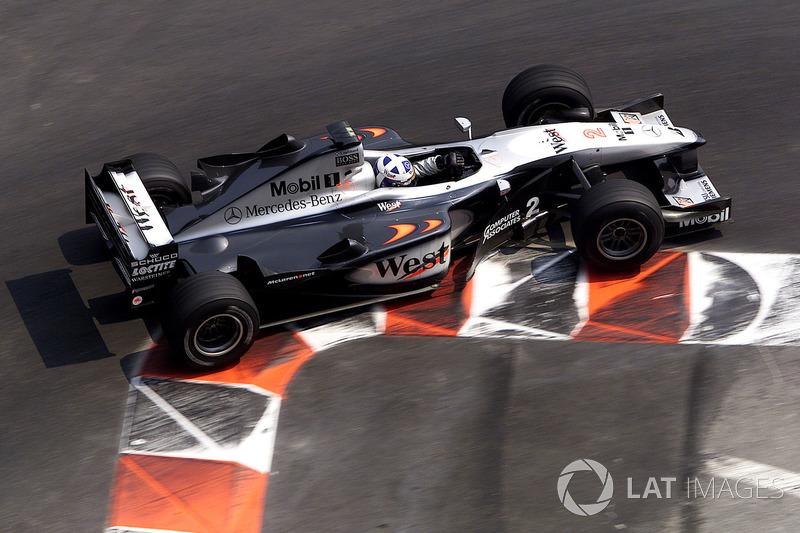 16. El McLaren MP4/15 de F1