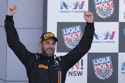 Podium: race winner Shane van Gisbergen, Tekno Autosports