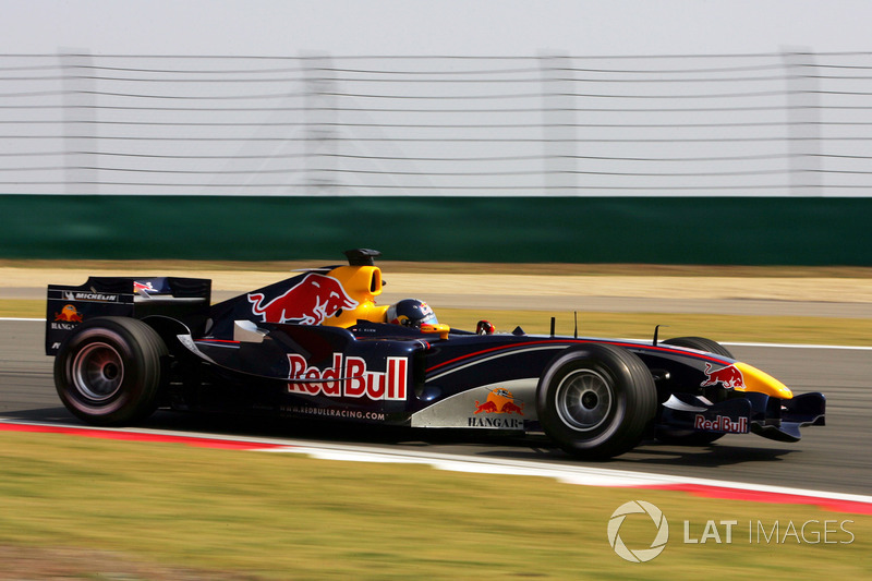 2005 : Red Bull Racing RB1, à moteur Cosworth