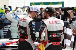 Winners #8 Toyota Gazoo Racing Toyota TS050: Sébastien Buemi, Fernando Alonso