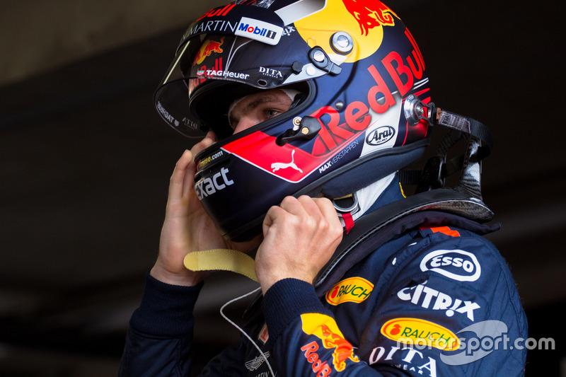 Max Verstappen zette tijdens het Pinksterweekend zes keer zijn helm op