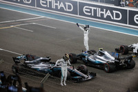 Lewis Hamilton, Mercedes-Benz F1 W08  e Valtteri Bottas, Mercedes-Benz F1 W08 festeggiao nel parco chiuso