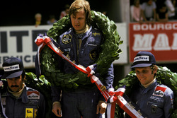 Podyum: Yarış galibi Ronnie Peterson, Lotus, 2. Niki Lauda, Ferrari, 3. Clay Regazzoni, Ferrari