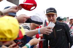 Stoffel Vandoorne, McLaren, taraftarlar ile bir araya geliyor