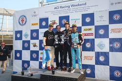 Podio Gara 3: il vincitore Lorenzo Colombo, Bhaitech, il secondo classificato Ian Rodriguez Wright, DRZ Benelli, il terzo classificato Kush Maini, Jenzer Motorsport