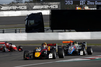 Dan Ticktum, Motopark Dallara F317 - Volkswagen, Enaam Ahmed, Hitech Bullfrog GP Dallara F317 - Mercedes-Benz