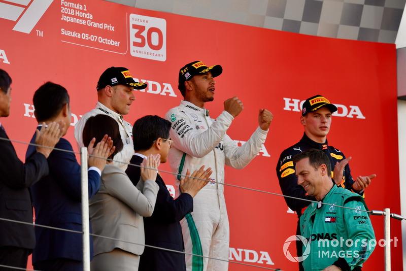 Podio: segundo lugar Valtteri Bottas, Mercedes AMG F1, ganador de la carrera Lewis Hamilton, Mercedes AMG F1 y tercer lugar Max Verstappen, Red Bull Racing celebran