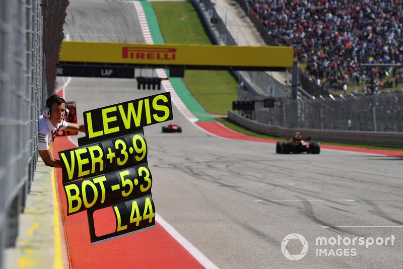 Le panneau pour Lewis Hamilton, Mercedes AMG F1