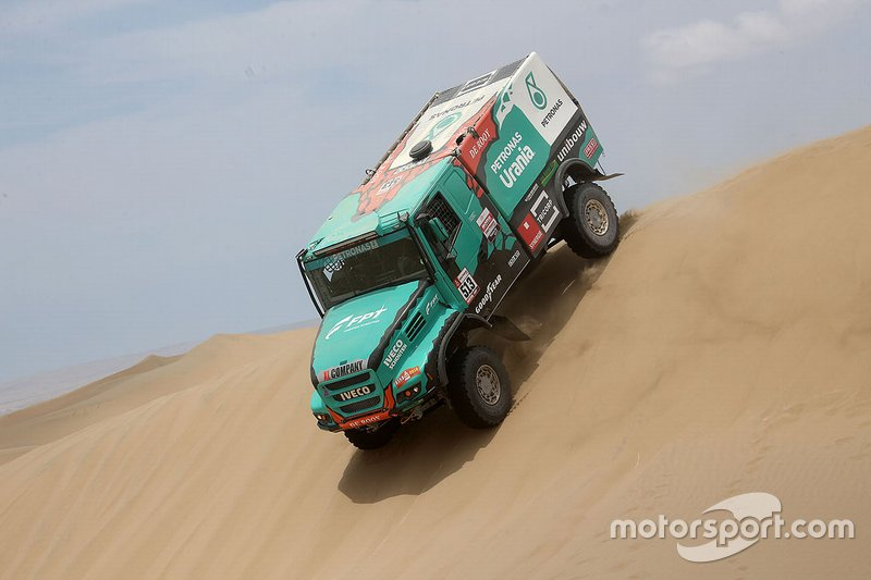 #513 Team De Rooy Iveco: Maurik van den Heuvel, Martijn van Rooij, Peter Kuijpers