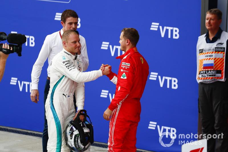 También Vettel consoló a Bottas