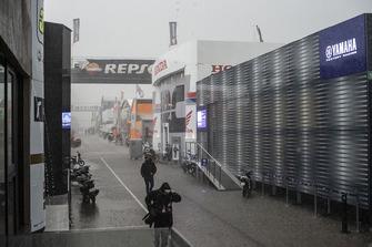 Regen im MotoGP-Fahrerlager