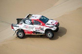 Жиньель де Вильерс и Дирк фон Цицевиц, Toyota Gazoo Racing SA, Toyota Hilux (№302)