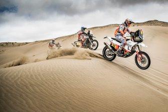 #17 Red Bull KTM Factory Racing KTM: Laia Sanz, #7 HERO Motorsports Team Rally: Oriol Mena, #114 Bas Dakar Team: Ross Branch