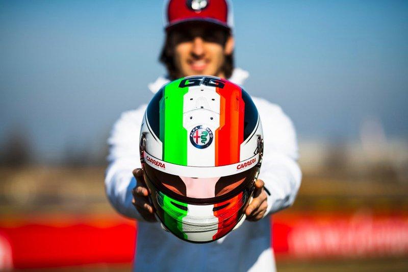 El casco de Antonio Giovinazzi