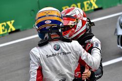Marcus Ericsson, Sauber y Kevin Magnussen, Haas F1