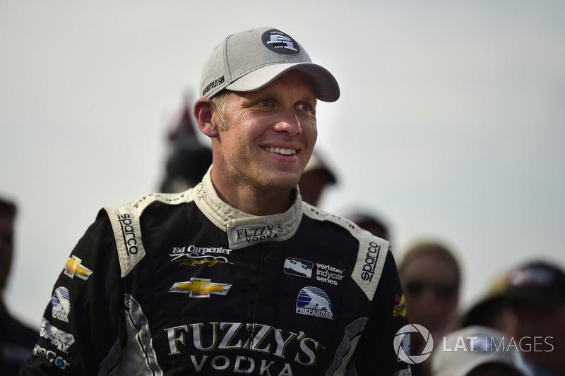 "<img src=""https://cdn-8.motorsport.com/static/img/cfp/0/0/0/200/228/s3/united_states-2.jpg"" alt="""" width=""20"" height=""12"" /></strong>Эд Карпентер (Ed Carpenter Racing Chevrolet)"