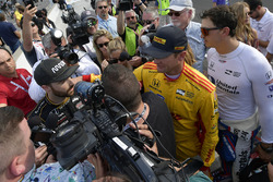Ryan Hunter-Reay, Andretti Autosport Honda, Graham Rahal, Rahal Letterman Lanigan Racing Honda console James Hinchcliffe, Schmidt Peterson Motorsports Honda after not qualifying for the Indianapolis 500 race