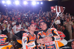 Marc Marquez, Repsol Honda Team, Dani Pedrosa, Repsol Honda Team selfie with the media