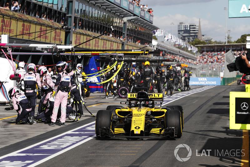 Nico Hulkenberg, Renault Sport F1 Team R.S. 18, makes a pit stop