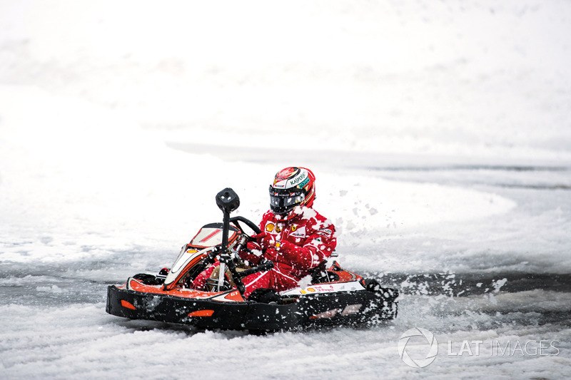 Кімі Райкконен на снігу