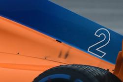 McLaren MCL33 van Stoffel Vandoorne met gaatje in de motorkap