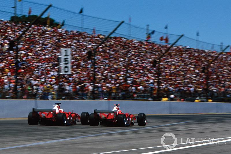 Michael Schumacher, Ferrari F2004 ve Rubens Barrichello, Ferrari F2004