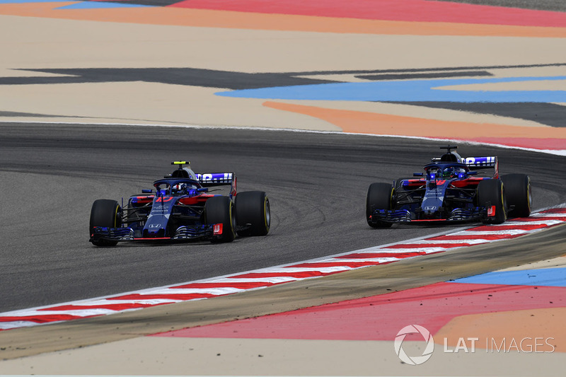 Pierre Gasly, Scuderia Toro Rosso STR13 and Brendon Hartley, Scuderia Toro Rosso STR13