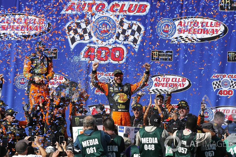 8. Ganador de la carrera Martin Truex Jr., Furniture Row Racing, Toyota Camry Bass Pro Shops/5-hour ENERGY