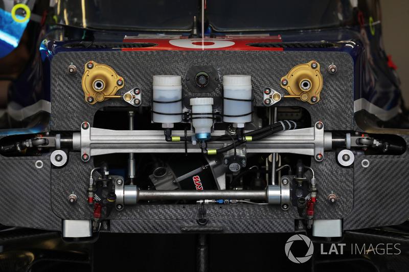 #6 CEFC TRSM RACING Ginetta G60-LT-P1, dettaglio del naso