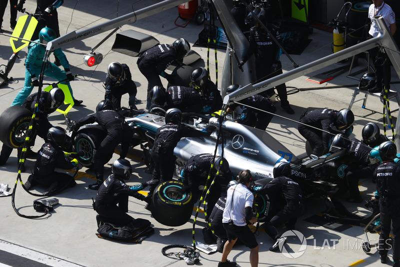 6º Mercedes con Bottas en China (2.15)