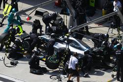 Valtteri Bottas, Mercedes AMG F1 W09, makes a stop