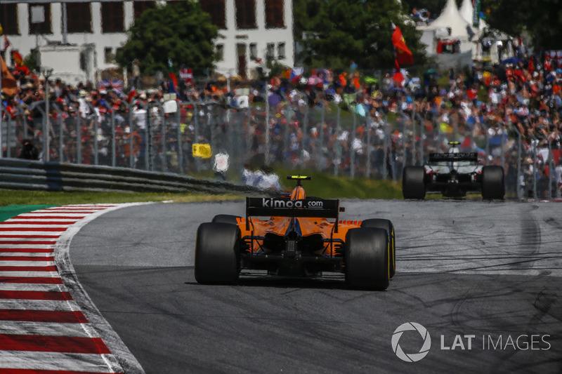 DNF: Stoffel Vandoorne, McLaren MCL33